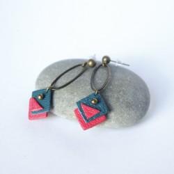 Boucles d'oreilles bronze et cuir bleu et rouge